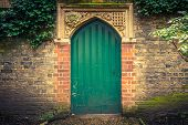 foto of english ivy  - Old door in Cambridge - JPG