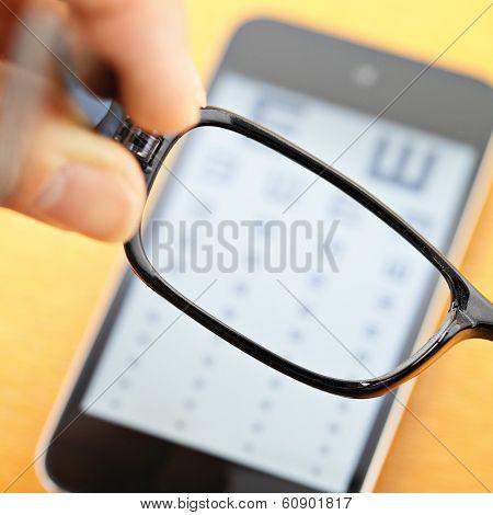 Eyechart on mobile with eyewear