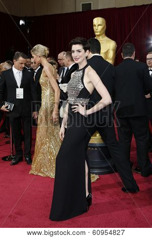 LOS ANGELES - MAR 2:: Anne Hathaway  at the 86th Annual Academy Awards at Hollywood & Highland Center on March 2, 2014 in Los Angeles, California