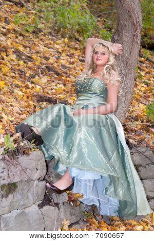 Pretty Prom Girl