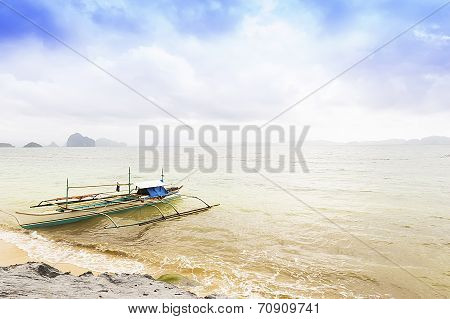 View Of A Tropical Beach And Local Boats In El Nido, Palawan