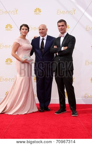 vLOS ANGELES - AUG 25:  Gail Simmons, Tom Colicchio, Hugh Acheson at the 2014 Primetime Emmy Awards - Arrivals at Nokia at LA Live on August 25, 2014 in Los Angeles, CA