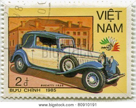 VIETNAM - CIRCA 1985: A stamp printed in Vietnam, shows 1930 Bucatti