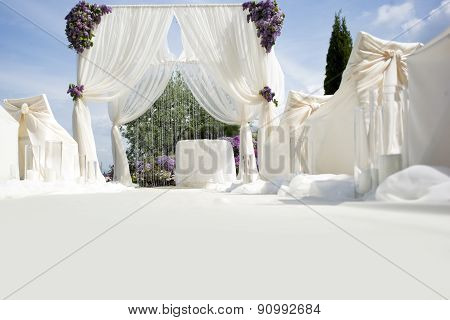 Festive Wedding Decoration With Light Aisle