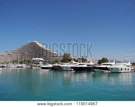 Yachts And Building Dukal In Villeneuve-loubet.
