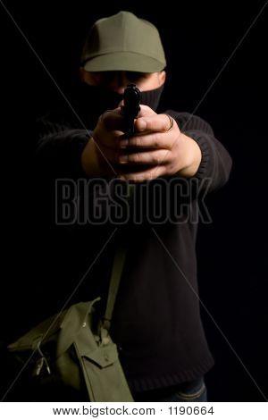 verschleierte paramilitärischen gunman