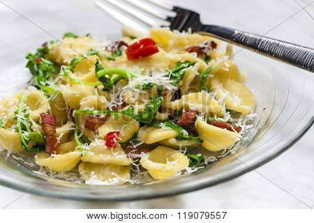 pasta orecchiette with ruccola and bacon