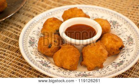 Goli Baje Or Mangalore Bonda Is One Of The Popular Snack In South Canara.