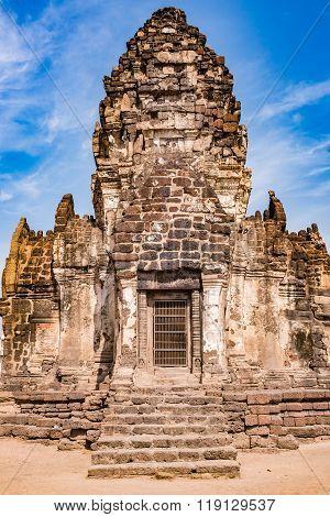 Phra Prang Sam Yod / an ancient temple /Thailand (Lop Buri)