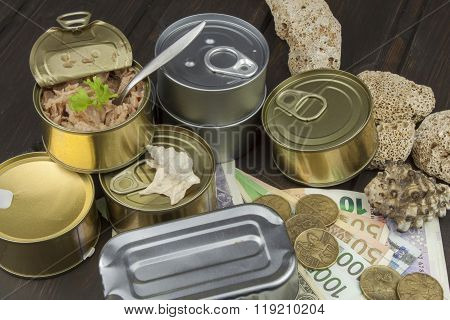 Fishing industry. Sales of canned fish. Processing of marine products.
