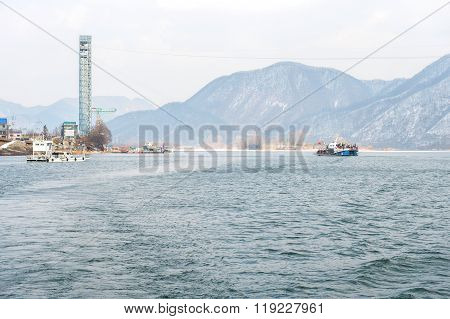 Tourists arrived in Nami Island by a ferry.
