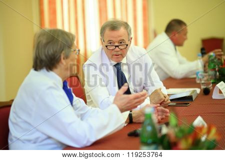 MOSCOW - MAY 19, 2015: Academician A. Konovalov and academician A. Potapov at the press conference for the journalists in the Burdenko Institute of Neurosurgery in Moscow