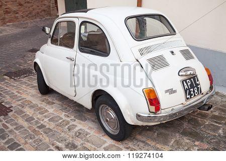 Old White Fiat 500 L City Car Rear View