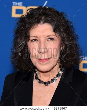 LOS ANGELES - FEB 06:  Lily Tomlin arrives to the Directors Guild Awards 2016  on February 06, 2016 in Century City, CA.