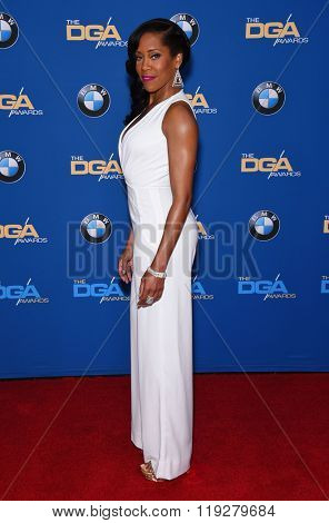 LOS ANGELES - FEB 06:  Regina King arrives to the Directors Guild Awards 2016  on February 06, 2016 in Century City, CA.