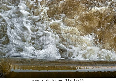 Water cascade and seething water