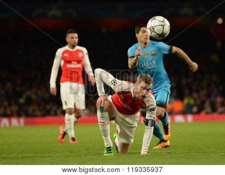 LONDON, ENGLAND - FEBRUARY 23: Per Mertesacker of Arsenal during the Champions League match between Arsenal and Barcelona at The Emirates Stadium