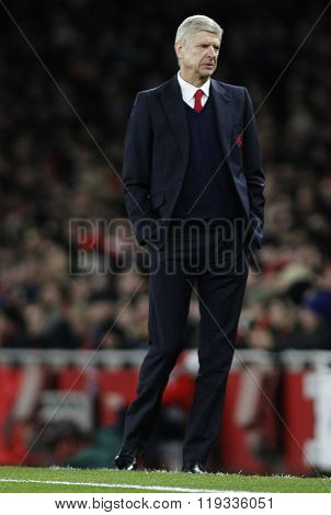 LONDON, ENGLAND - FEBRUARY 23: Arsene Wenger manager of Arsenal during the Champions League match between Arsenal and Barcelona at The Emirates Stadium