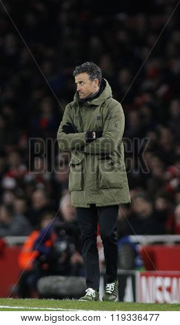 LONDON, ENGLAND - FEBRUARY 23: Luis Enrique manager of Barcelona during the Champions League match between Arsenal and Barcelona at The Emirates Stadium