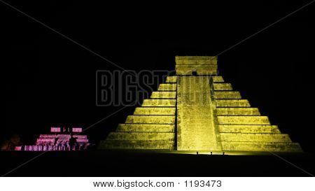 El Castillo Chichen Itza By Night