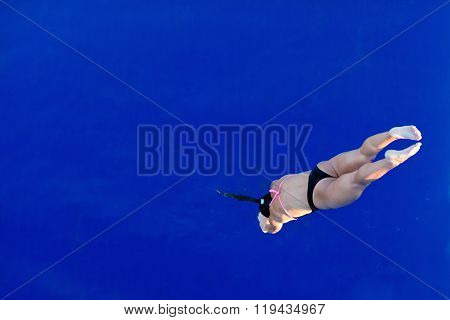 Lady Diver On The Way Down