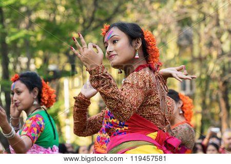 Young Girl Dancers Perforimg At Holi (spring) Festival In Kolkata.