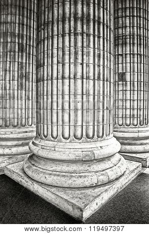 Classical columns at the front of the pantheon in Paris