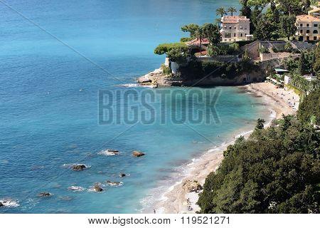Beautiful White Villa By Sea