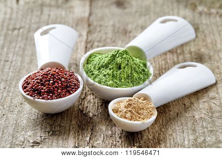 Barley Or Wheat Grass Powder, Red Quinoa And Maca Powder