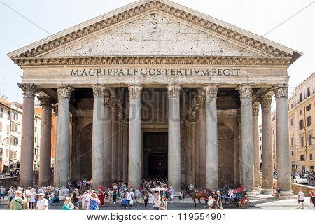 The Pantheon And Tourists