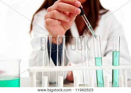 Trabajador en un laboratorio