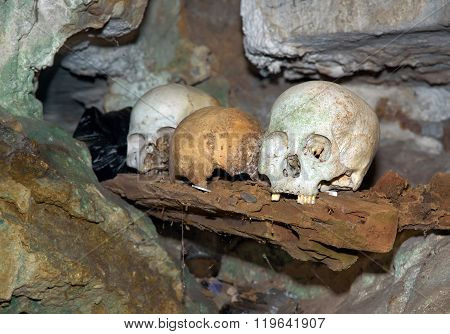 Skulls In Cave. Londa Is Burial Site In Tana Toraja, South Sulawesi, Indonesia