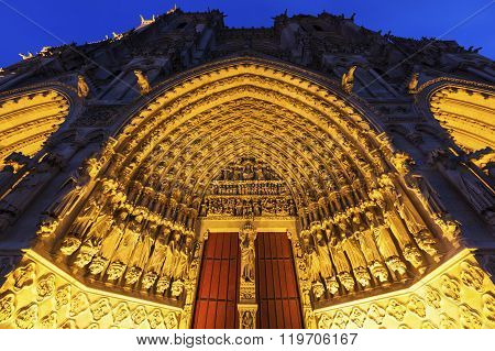 Cathedral of Our Lady of Amiens. Amiens Nord-Pas-de-Calais-Picardy France.