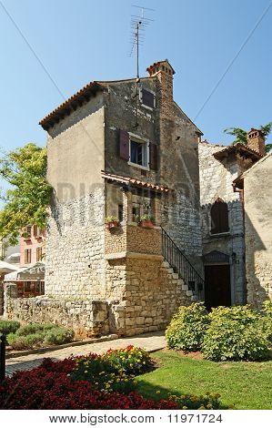 Calles de la vieja ciudad de Porec, Istria, Croacia