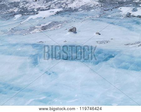 Ebrus icehouse