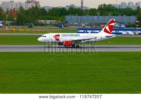 Czech Airlines Airbus A319-112 Airplane In Pulkovo International Airport In Saint-petersburg, Russia