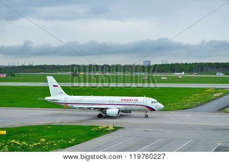 Rossiya Airlines Airbus A320-214 Aircraft In Pulkovo International Airport In Saint-petersburg
