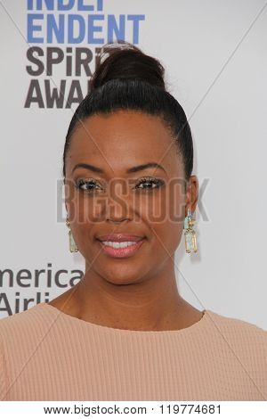 LOS ANGELES - FEB 27:  Aisha Tyler at the 2016 Film Independent Spirit Awards at the Santa Monica Beach on February 27, 2016 in Santa Monica, CA