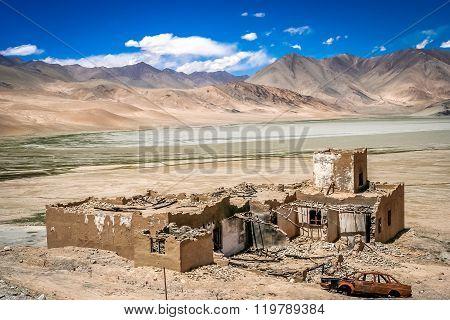 Karakorum Highway destroyed homes