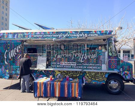 Lunch Goer Getting His Food From A Food Truck