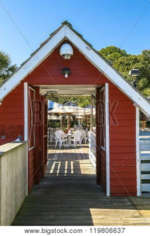 Dock to Dine