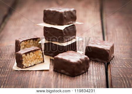 Peanut Brittle With Chocolate