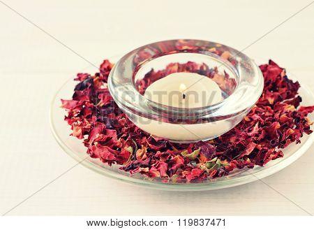 Rose aromatherapy candle