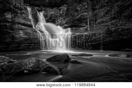 Cedar Falls Ohio Black And White