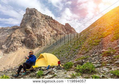 Lunch of alpine climber