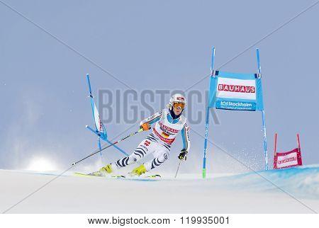 Maren Wiesler Skiing At A Slalom Event