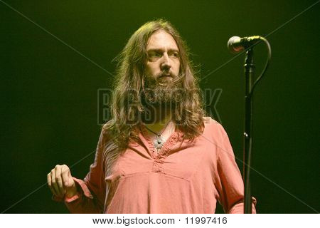 ATLANTIC CITY, NJ - AUGUST 29: Musician Chris Robinson of The Black Crowes performs at The Borgata Hotel & Casino on August 29, 2009 in Atlantic City, NJ.