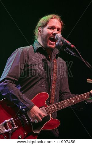 ATLANTIC CITY, NJ - AUGUST 29: Musician Rich Robinson of The Black Crowes performs at The Borgata Hotel & Casino on August 29, 2009 in Atlantic City, NJ.
