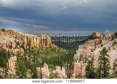Bryce Canyon With Spectacular Hoodoos And Dark Clouds