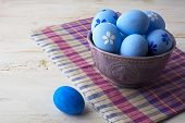 ������, ������: Blue Easter Eggs In A Purple Bowl
